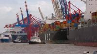 """Screenshot aus dem Film """"Chinas Macht auf dem Meer"""" im Hamburger Hafen Blog"""