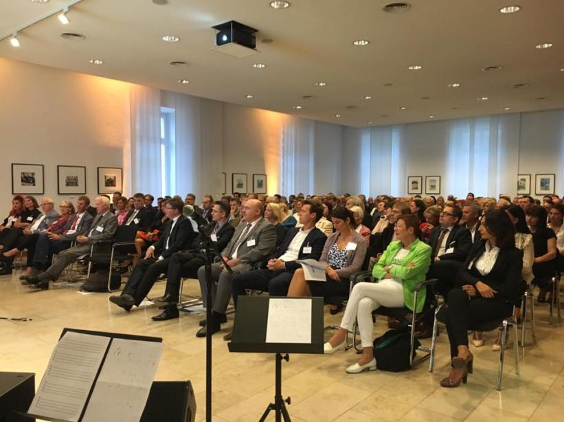 Publikum bei der Verleihung der Goldenen Lilie 2016 in der IHK Wiesbaden Blog